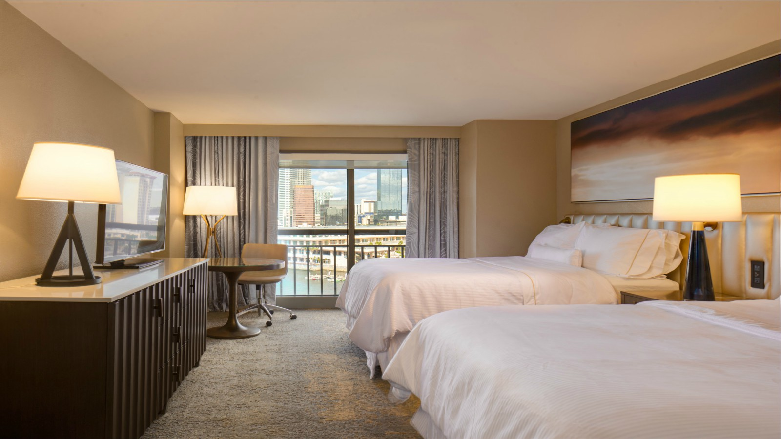 Deluxe Rooms | The Westin Tampa Waterside